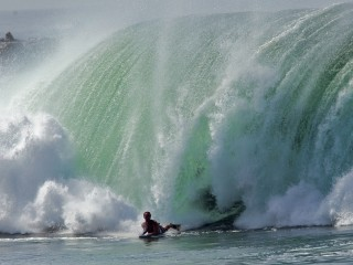 Surfing – Huge Surf At The Wedge