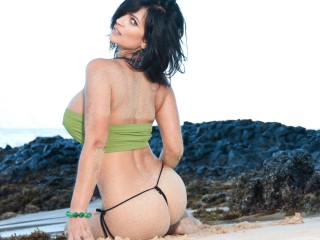 Denise Milani At The Beach Wallpaper