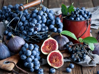 Figs Grapes And Blueberries