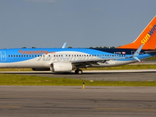 Sunwing Airlines Boeing 737