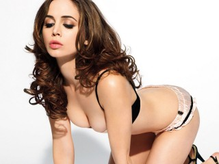 Hot And Sexy Eliza Dushku