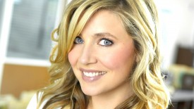 Sarah Chalke Smile Wallpaper