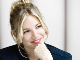 Sienna Miller Smiling Wallpaper